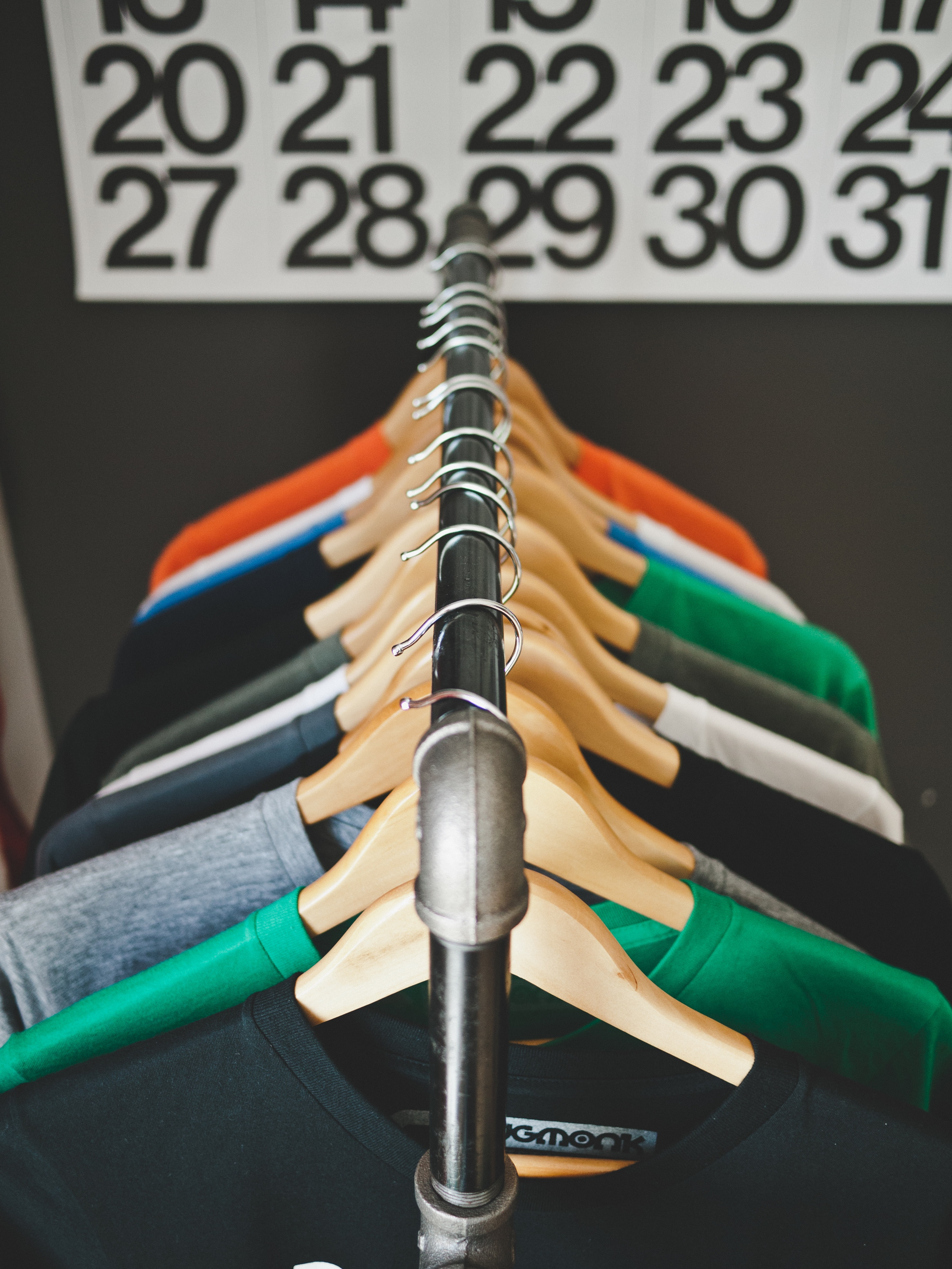 Design and sell clothing with tee spring