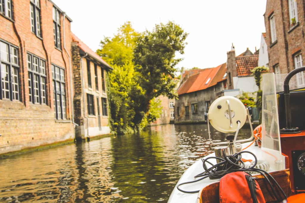 bruges canal boat tour
