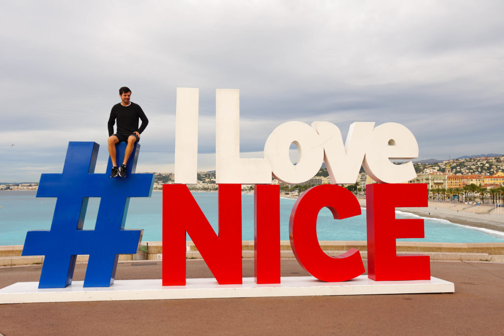 I love Nice statue. 3 nights in Nice - France Road trip